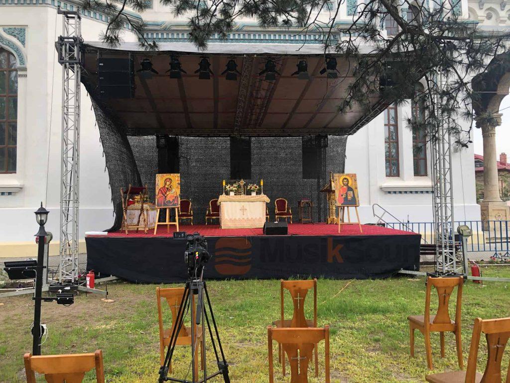 scena-biserica